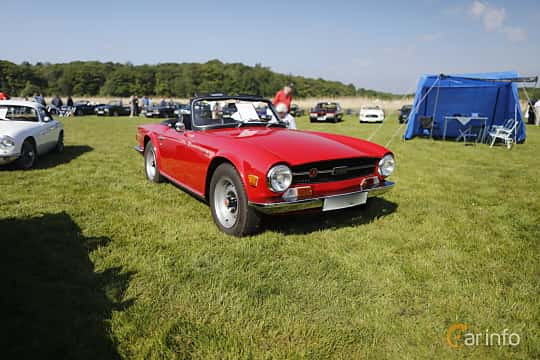 Front/Side  of Triumph TR6 2.5 Manual, 104ps, 1970 at Tjolöholm Classic Motor 2018
