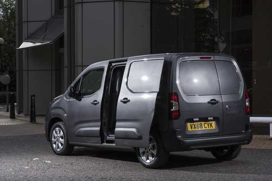 Back/Side of Vauxhall Combo Van 4-door 2018