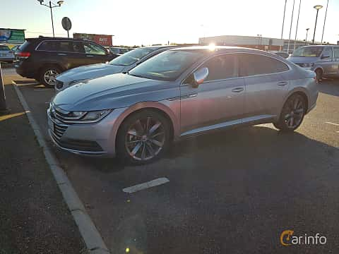 Front/Side  of Volkswagen Arteon 2.0 TDI 4Motion DSG Sequential, 239ps, 2017