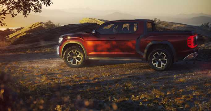 Back/Side of Volkswagen Atlas Tanoak Pickup Truck 3.6 VR6 FSI 4Motion Automatic, 284hp, 2018