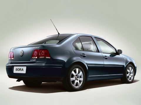 Back/Side of Volkswagen Bora 1st Generation