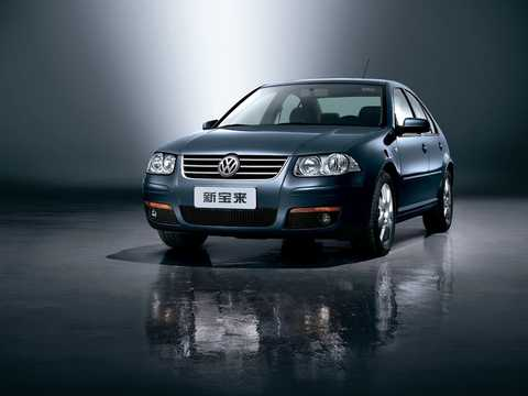 Front/Side  of Volkswagen Bora 1st Generation