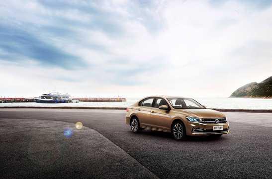 Fram/Sida av Volkswagen Bora 2018