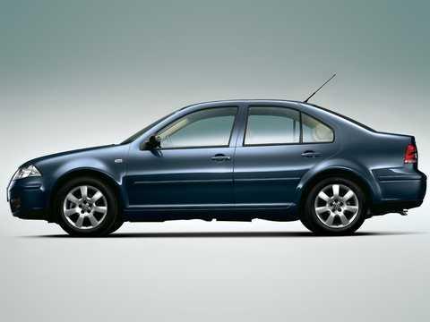Side  of Volkswagen Bora 1st Generation
