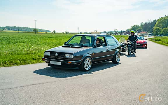 Front/Side  of Volkswagen Golf GTI 3-door 1.8 Manual, 107ps, 1988 at Tjolöholm Classic Motor 2019