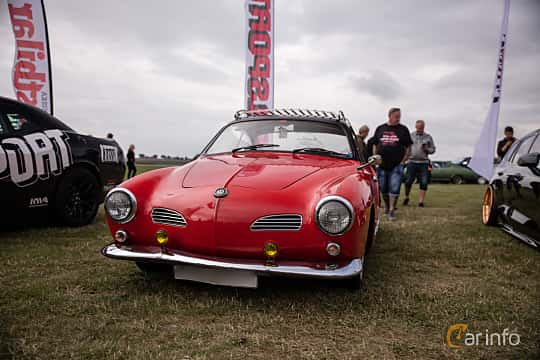 Front/Side of Volkswagen Karmann-Ghia 1200 1.2 Manual, 30ps, 1957 at Vallåkraträffen 2018