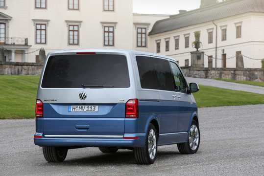 Back/Side of Volkswagen Multivan 2016