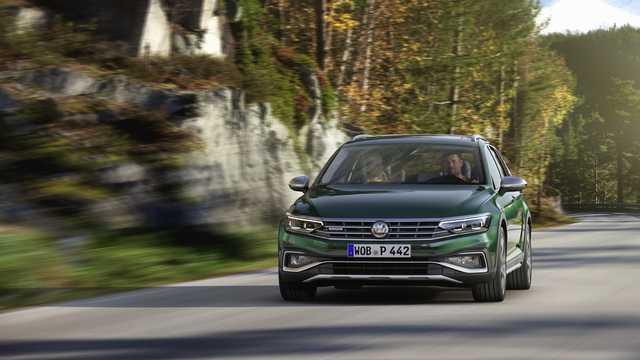 Fram av Volkswagen Passat Alltrack 2019