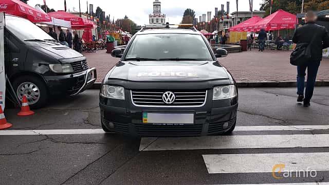 Fram av Volkswagen Passat Variant 2005 på Old Car Land no.2 2018