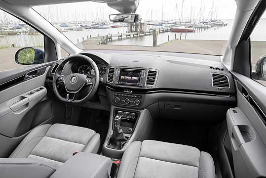 Interior of Volkswagen Sharan 2016