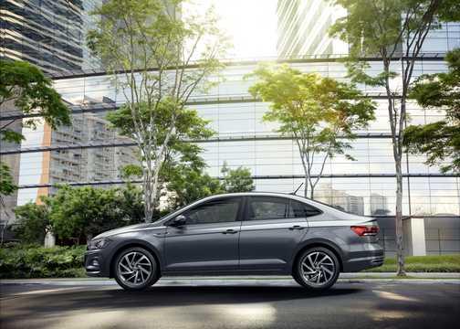 Side  of Volkswagen Virtus 2019