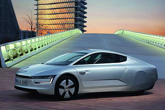 Front/Side  of Volkswagen XL1 0.8 DSG Sequential, 48hp, 2015