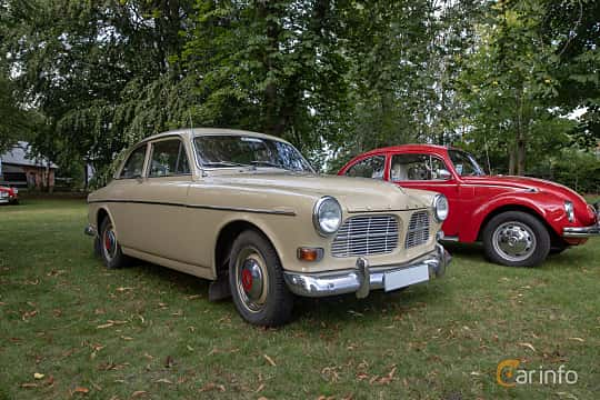 Front/Side  of Volvo Amazon 121 P130 1.8 Manual, 68ps, 1964 at Billesholms Veteranbilsträff 2019 augusti