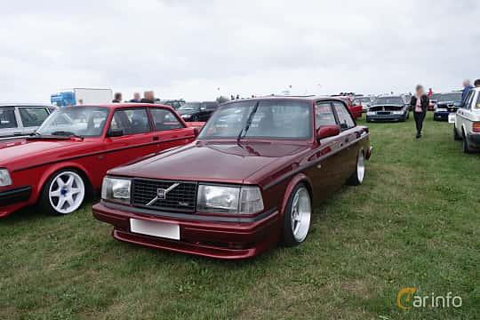 Fram/Sida av Volvo 242 1979 på Vallåkraträffen 2018