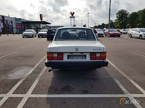 Back of Volvo 244 2.3 Manual, 116ps, 1988