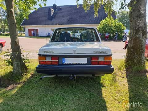 Back of Volvo 244 2.3 Manual, 116ps, 1991 at Eddys bilträff Billesholm 2019 Tema Opel och Chevrolet