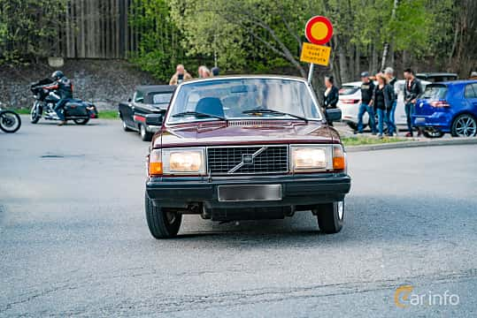 Front  of Volvo 244 2.1 Manual, 107ps, 1981 at Vårcruising Järna 2019