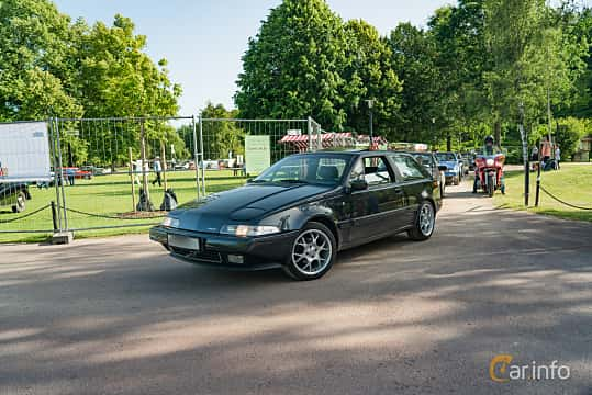 Front/Side  of Volvo 480 2.0 Manual, 109ps, 1995 at Ronneby Nostalgia Festival 2019