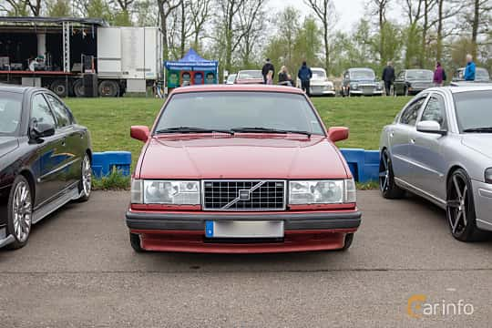 Front  of Volvo 945 2.3 Manual, 165ps, 1998 at Lucys motorfest 2019