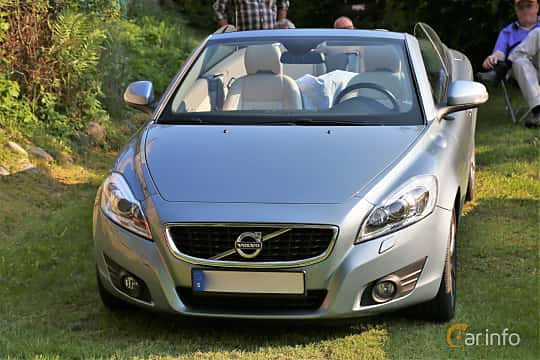 Front  of Volvo C70 T5 Automatic, 230ps, 2011 at GMHK Bilträff hos Mellanders 2019