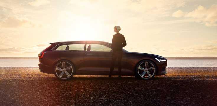 Side  of Volvo Concept Estate Concept Concept, 2014