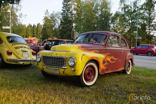 Front/Side  of Volvo PV544A 1.6 Manual, 60ps, 1960 at Onsdagsträffar på Gammlia Umeå 2019 vecka 35