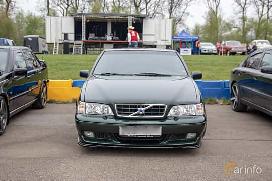 Front  of Volvo S70 T5 Manual, 240ps, 1998 at Lucys motorfest 2019