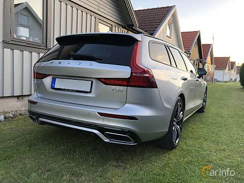 Back/Side of Volvo V60 T5 Geartronic, 250ps, 2019
