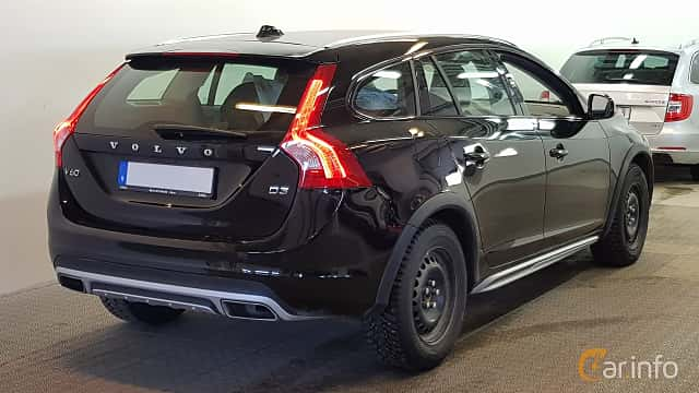 Back/Side of Volvo V60 Cross Country 2.0 D3 Geartronic, 150ps, 2017