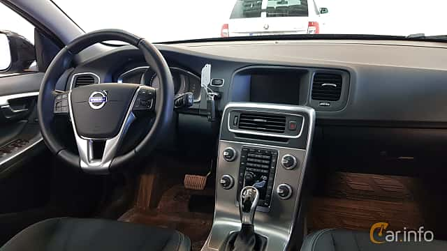 Interior of Volvo V60 Cross Country 2.0 D3 Geartronic, 150ps, 2017