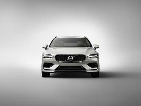 Front  of Volvo V60 2019