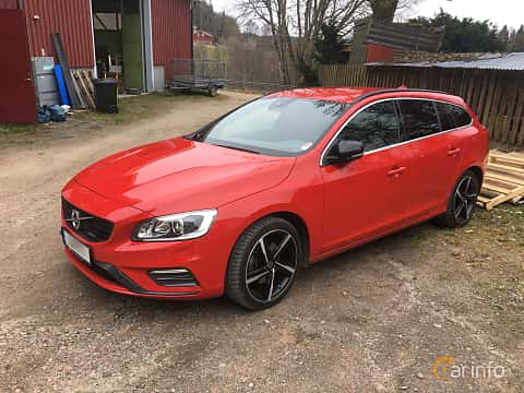 Front/Side  of Volvo V60 D2 Geartronic, 115ps, 2014