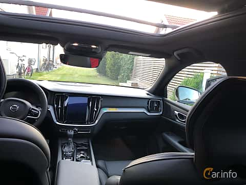Interior of Volvo V60 T5 Geartronic, 250ps, 2019