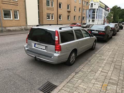 Back/Side of Volvo V70 2.4D Manual, 163ps, 2008