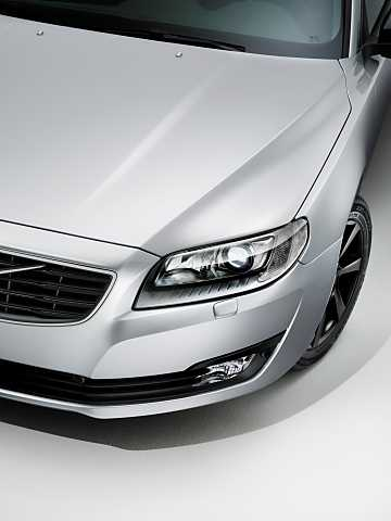 Close-up of Volvo V70 2016