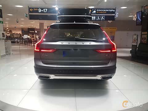 Back of Volvo V90 Cross Country 2.0 T6 AWD Geartronic, 320ps, 2017