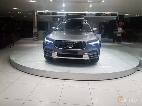 Front  of Volvo V90 Cross Country 2.0 T6 AWD Geartronic, 320ps, 2017