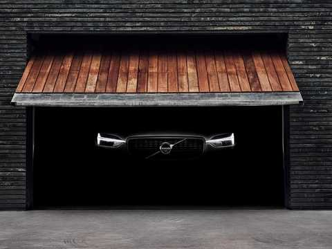 Front  of Volvo XC60 2nd Generation