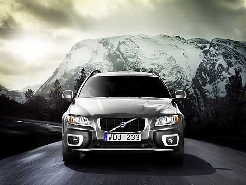 Front  of Volvo XC70 2009
