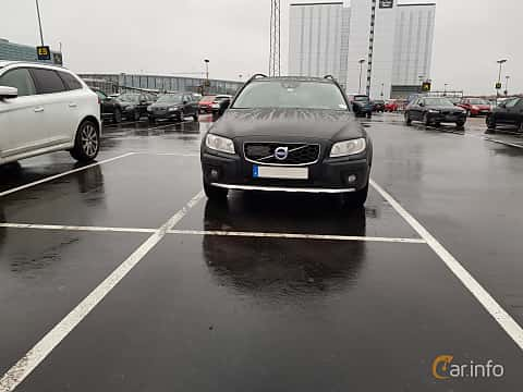 Front  of Volvo XC70 2.4 D4 AWD Geartronic, 181ps, 2016