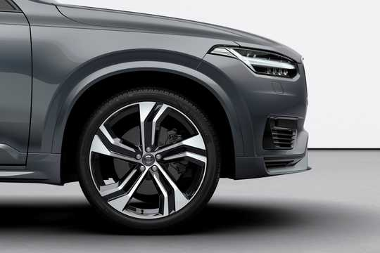 Close-up of Volvo XC90 T8 AWD Geartronic, 392hp, 2020