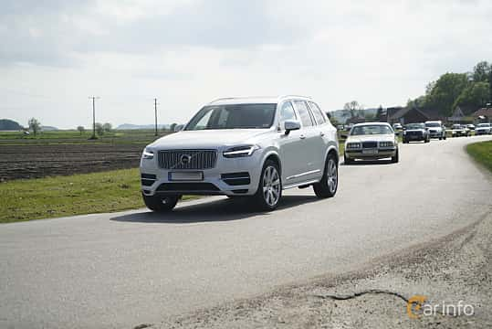 Front/Side  of Volvo XC90 T8 AWD Geartronic, 407ps, 2017 at Tjolöholm Classic Motor 2017