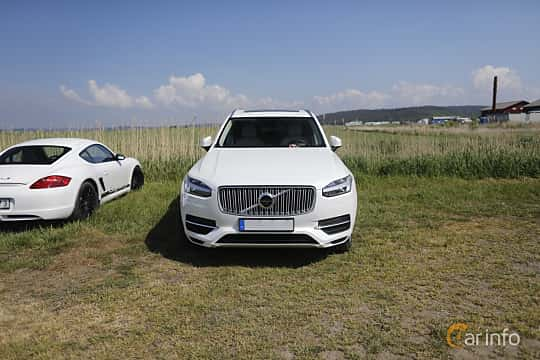 Front  of Volvo XC90 T8 AWD Geartronic, 407ps, 2017 at Tjolöholm Classic Motor 2018