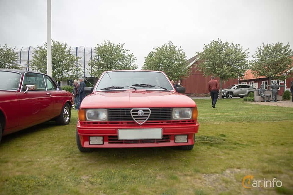 Front  of Alfa Romeo Giulietta 1.8 Manual, 122ps, 1979 at Veteranbilsträff i Vikens hamn  2019 Maj