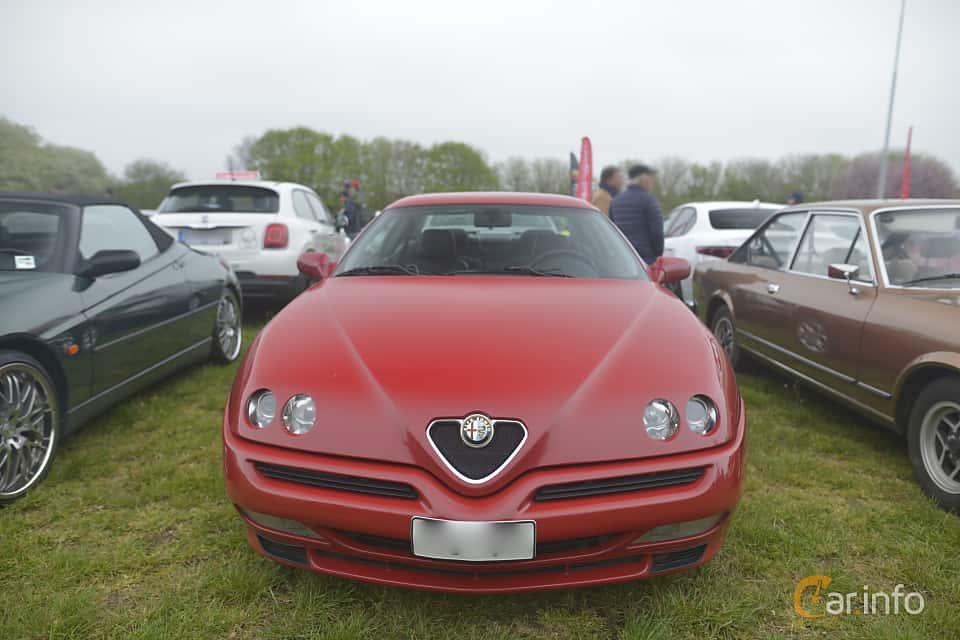 Fram av Alfa Romeo GTV 3.0 V6 Manual, 218ps, 2001 på Italienska Fordonsträffen - Krapperup 2019