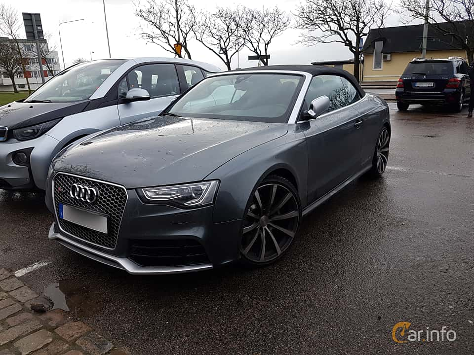 Front/Side of Audi RS 5 Cabriolet 4.2 FSI V8 quattro S Tronic, 450ps, 2014