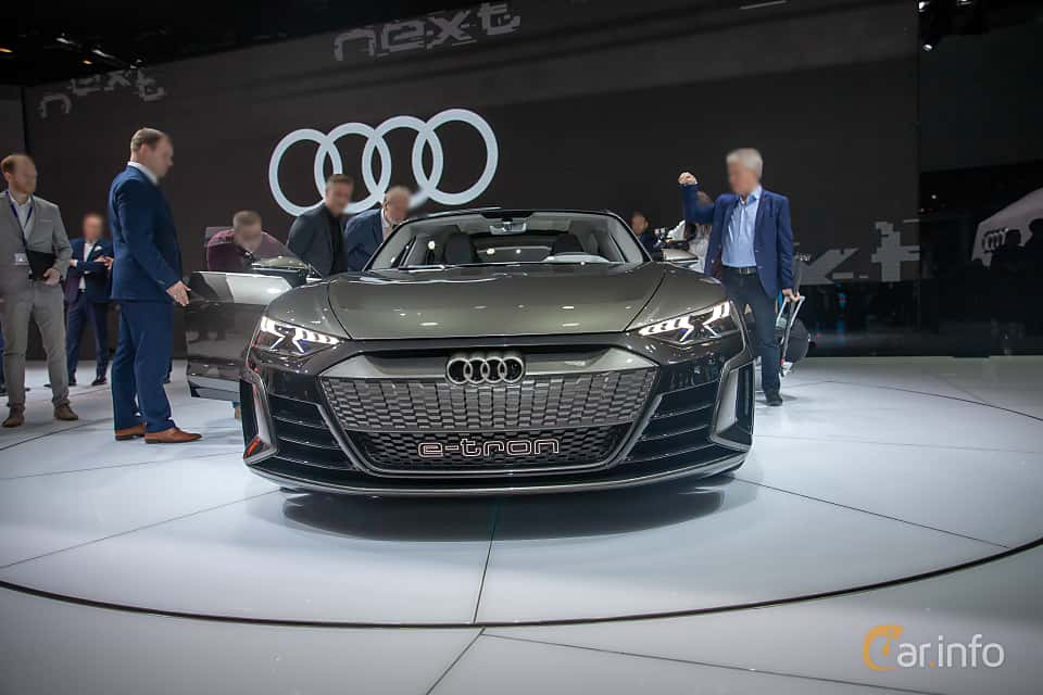 Front  of Audi e-tron GT 90 kWh quattro Single Speed, 590ps, 2019 at Geneva Motor Show 2019