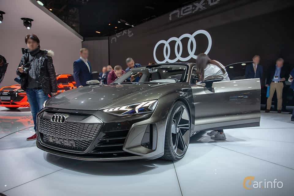 Front/Side  of Audi e-tron GT 90 kWh quattro Single Speed, 590ps, 2019 at Geneva Motor Show 2019
