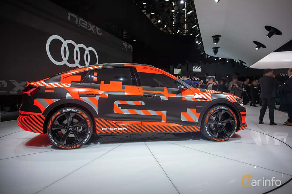 Side  of Audi e-tron 55 quattro  Single Speed, 408ps, 2019 at Geneva Motor Show 2019