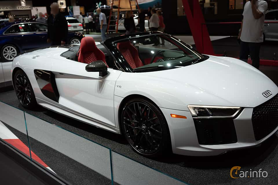 Front/Side  of Audi R8 Spyder V10 plus 5.2 V10 FSI quattro S Tronic, 610ps, 2018 at LA Motor Show 2018